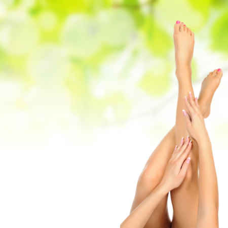 http://www.biokapper.be/RepositoryFiles/Algemeen/Kapsalon/manicure-pedicure.jpg